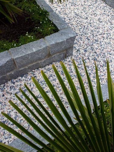 Mauersteine Granit Hellgrau verlegt